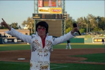 johnny_reno_as_elvis003003.jpg
