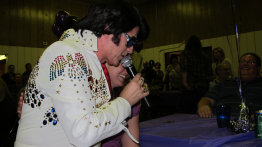 johnny_reno_as_elvis003004.jpg